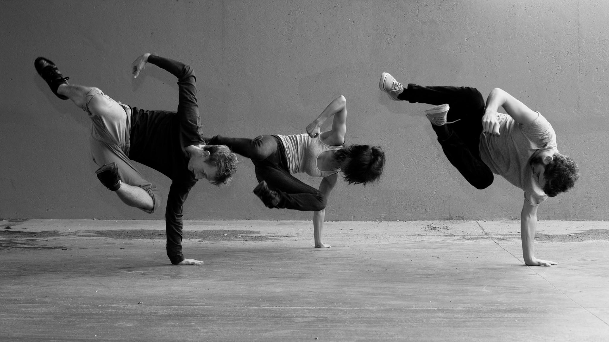 photo danse contemporaine noir et blanc. Black Bedroom Furniture Sets. Home Design Ideas